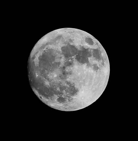 Full Moon - by Bill Levay