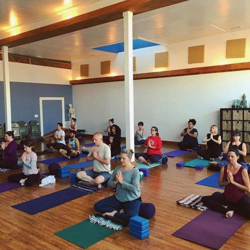 photo of a kundalini yoga class